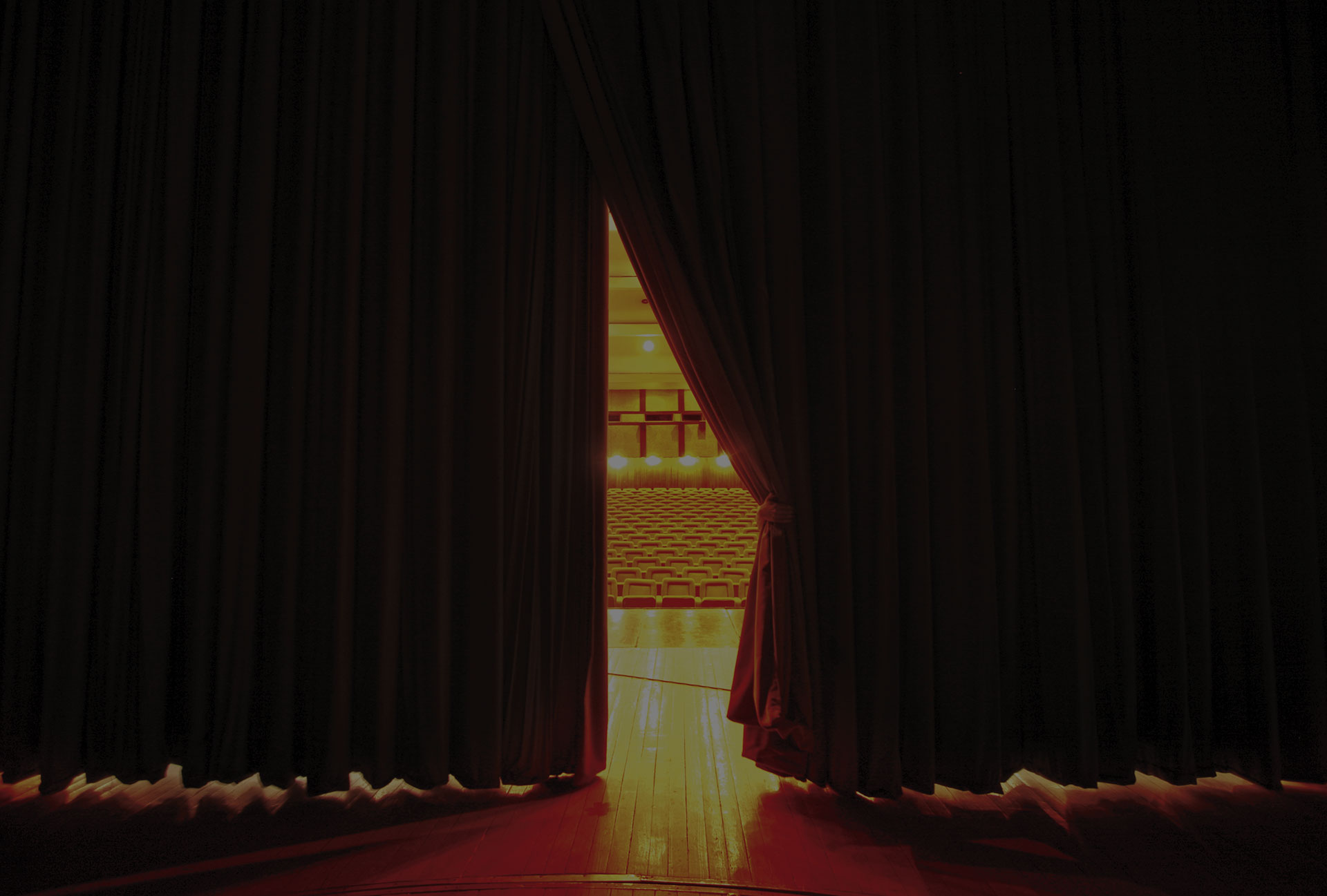 curtain to stage